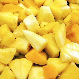Pile of pineapple chuncks